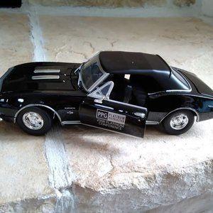1967 Chevrolet Camaro SS  1/24 DieCast - NIB